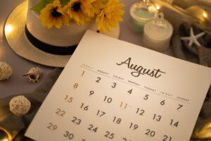 8月のお休み情報